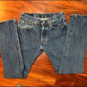 Men's Levi's 501 size 29X32 jeans.